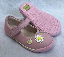 debb5afb4de2 BNIB Clarks Girls Softly Jam Baby Pink Leather First Shoes F   G Fitting