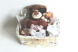 HAMPERS/ GIFTS / VALENTINE / ANNIVERSARIES / BIRTHDAY/ SPECIAL OCCASION HAMPERS