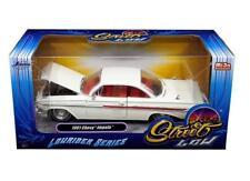 Jada 1/24 STREET LOW 1961 Chevrolet Impala Lowrider Series Diecast White (98929)