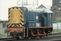 PHOTO  CLASS 08 SHUNTER NO 08786 AT EAGLESCLIFFE JUNCTION 1988