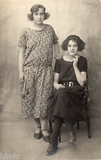 BE062 Carte Photo vintage card RPPC Femme women duo robe dress coiffure