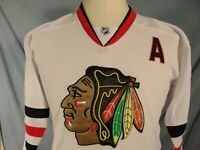 Duncan Keith #2 Chicago Blackhawks NHL Jersey Men's S Vintage CCM Sewn White