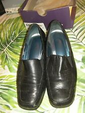 Hush Puppies 'Melissa' Black Court Shoes (Size 8.5C)