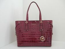 NWT AUTHENTIC MICHAEL KORS VOYAGER MEDIUM MULTIFUNCTION TOP ZIP TOTE-$298-BERRY