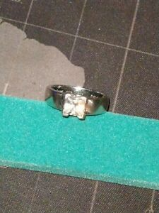 stunning Diamonique and solid silver ring fully hallmarked size UK P