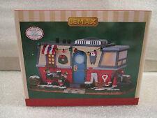 NEW Lemax Santa's Lane Mobile Home Park Trailer Lighted Christmas Village House