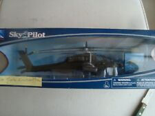 HELICOPTERE AH 64 APACHE MILITAIRE  NEUF EN BOITE NEW RAY 1/55°