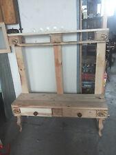 Handgearbeitete Kommoden aus Massivholz