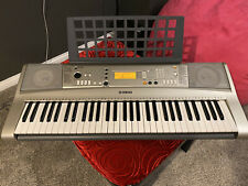 Yamaha PSR e313 Electric keyboard with AC Adapter, Music Holder, Gig Bag