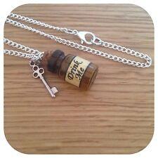 Alice In Wonderland Mini bebida me Botella & clave Collar BV
