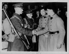 1934 Saar British/French Troops Shaking Hands Press Photo
