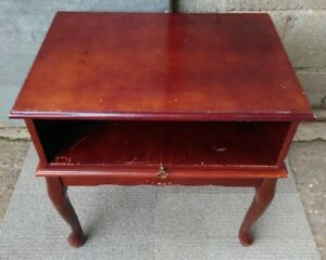 Vintage Concole Table - TV / Media Stand - Desk / Side / Occasional Table