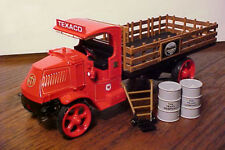 First Gear 19-2571 Texaco #29 Mack AC stake truck 1/34