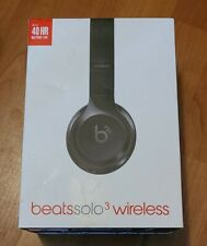 Beats by Dr. Dre Solo 3 Wireless Headphones Gloss Black A1796.  Mint in box