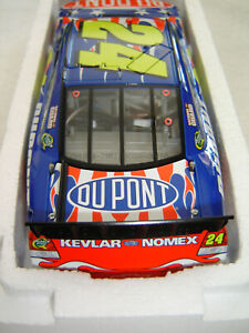 JEFF GORDON #24 Dupont HONORING OUR SOLDIERS 2010 Action 1/2512 RARE NEW