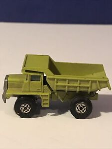 VINTAGE MATCHBOX SERIES NO.28, MACK DUMP TRUCK MADE IN ENGLAND BY LESNEY