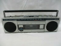 General Electric Model 3-5283A Stereo Boombox Radio Cassette Ghetto Blaster. JR