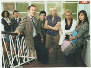 10 x 8  photo hand signed JILL HALFPENNY / JAMIE GLOVER   - undedicated -AFTAL -
