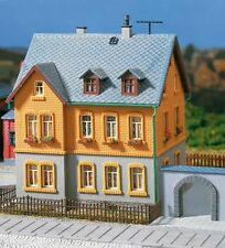 12258 Auhagen HO Kit of Factory residence - New *