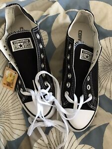 black and White converse size 6 Low Rise Brand New