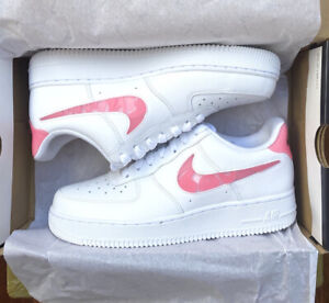 Nike Air Force 1 07 SE Valentine's Day Love Trainers Size 4 Pink White