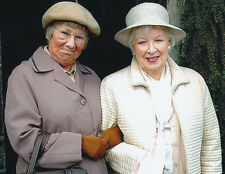 June Whitfield & Juliette Kaplan UNSIGNED photo -H4000- Last of the Summer Wine