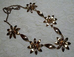 BRASS TONE DAISY FLOWER LINK CHAIN NECKLACE 24 INCH