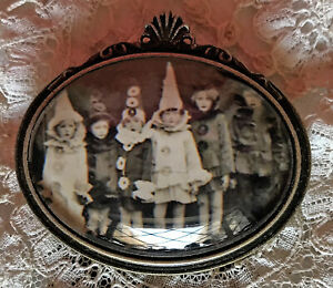 CHILDREN IN HALLOWEEN COSTUMES Glass Dome BROOCH Pin Vintage Photo Party Card