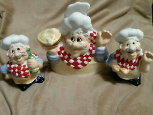 Vintage new Distributed by Publix Chef napkin holder w/ salt and pepper shakers