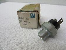NOS 1974-1979 GM Air Conditioner Compressor Cut Off Pressure Switch 339848    dp