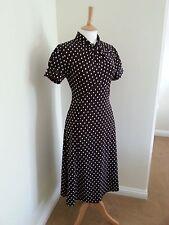 Estilo Vintage Segunda Guerra Mundial años 30 años 40 siguiente Trenzado Blusa Marrón De Lunares Vestido Talla 14