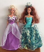 2 Vintage muñecas Barbie en sus vestidos Original-Esmeralda elegancia-En muy buena condición