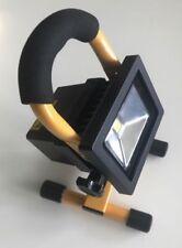 LED Akku Strahler m. Koffer + 2 Akku 10W 700lumen Baufluter DIMMBAR