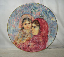1977 Royal Doulton Lucia & Child Collectors Bone China Plate Art By Edna Hibel