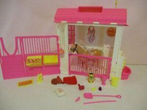 Barbie-Feeding Fun Stables-1995-Horse & Accessories-Vintage