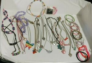 Lot 30 Girl's Teen's Costume Jewelry Necklaces Bracelets Pin & Ring