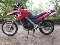 FOR SALE 1 SEAT BMW G650GS YEAR 2009  38000 KM.WRECKING COMPLETE MOTORCYCLE