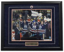Mark más desordenado Jari Kurri & Kevin Lowe firmado Edmonton Oilers Taza 1990 Marco 26x32