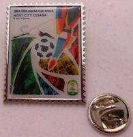 Pin / Anstecker + Fußball FIFA Weltmeisterschaft 2014 Brasilien + Plakat #5 (83)