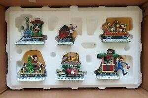 Disney - Mickey & Friends Christmas Train Figurine Set by Danbury Mint