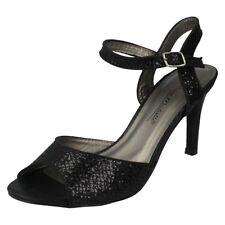 Standard (D) Width Textured Regular Heels for Women