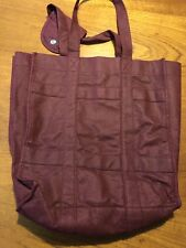 6 compartment wine carrying tote maroon with snap handle