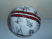 NOTTINGHAM FOREST SQUAD SIGNED FOOTBALL BY 18 PLAYERS WHITE.