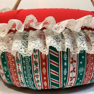 Handmade CHRISTMAS Red/Green Padded Fabric Round WICKER BASKET White Lace Handle