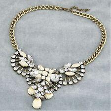 Fashion Lady Jewelry Retro Elegant White Resin Rhinestone Flower Collar Necklace