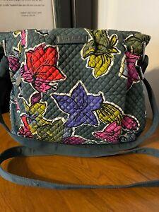 VERA BRADLEY 21579 HADLEY CROSSBODY PURSE w/Charger Pocket-Falling Flowers - NWT