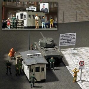 Checkpoint Charlie 1490 From Busch
