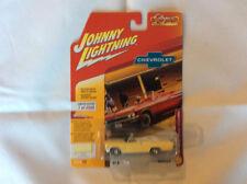 Johnny Lightning JLCG014 Classic Gold VER A 1965 Chevy Impala Convertible Yellow