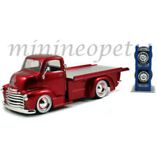 JADA 97688 1952 CHEVROLET COE FLATBED TRUCK 1/24 with EXTRA WHEELS RED