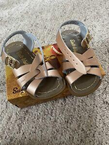 Girls Saltwater Sandals Infant Size 7